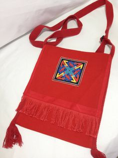 Items similar to Appliqued Celtic Knot messenger bag on Etsy Calico Fabric, Printed Linen, Handmade Items, Handmade Gifts, Celtic Knot, Knitting Projects, Bag Making, Cotton Canvas, Messenger Bag