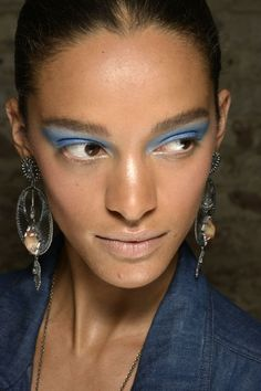Blue eyeshadow at Dannijo: http://beautyeditor.ca/2014/09/18/dannijo-spring-2015-makeup