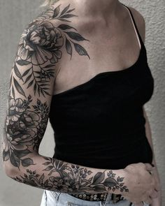 Gorgeous And Stunning Sleeve Floral Tattoo To Make You Stylish; Sleeve Tattoos For Women; Backpiece Tattoo, Botanisches Tattoo, Tattoo Hals, Piercing Tattoo, Body Art Tattoos, Ear Piercings, Arabic Tattoos, Tiny Tattoo, Tattoo Fonts