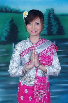 blo … Source by harmonymarion Thai Traditional Dress, Traditional Outfits, Laos Culture, Folk Costume, Costumes, Laos Wedding, Cinderella Outfit, Thai Dress, Thinking Day