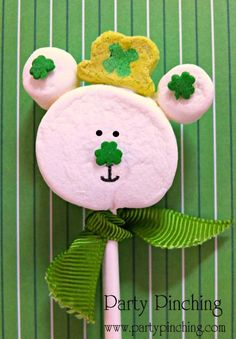 St. Patrick's Day marshmallow pop, St. patrick's day treat, St. Patrick's Day dessert, St Patrick's Day ideas for kids