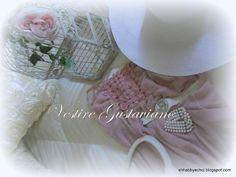 Vestire Gustavian Chic...
