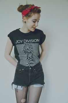Simple but so cool. I've been looking that kind of Joy Division t-shirt also! One day!