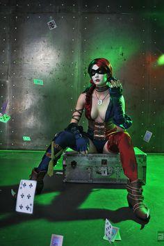 Injustice: Gods Among Us. Cosplay Harley Quinn Injustice: Gods Among Us, Cosplay Harley Quinn Dc Cosplay, Best Cosplay, Cosplay Girls, Cosplay Ideas, Callie Cosplay, Joker Y Harley Quinn, Harley Quinn Cosplay, Old Joker, Es Der Clown