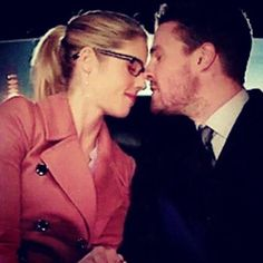 Oliver And Felicity, Felicity Smoak, Arrow Cw, Stephen Amell, Starling, Good Night, Sweet Dreams, Otp, Proposal