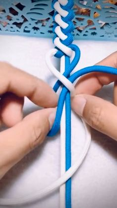 how to tie hoodie knots / hoodie tie knots , hoodie tie knots diy , hoodie tie knots videos , how to tie hoodie knots Rope Crafts, Diy Crafts Hacks, Diy Crafts Jewelry, Diy Crafts For Gifts, Bracelet Crafts, Diy Home Crafts, Feather Crafts, Hemp Crafts, Jar Crafts