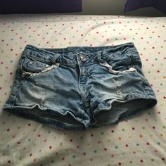 Cute summer shorts☀️ Got these shorts last summer, super cute, just have way too many pairs! Size 1! Shorts Jean Shorts