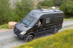 CS Reisemobile's Independent, a 4x4 Sprinter campervan, tested by the German magazine Promobil.