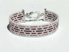 Bead loom bracelet with Miyuki Delica beads - Kram