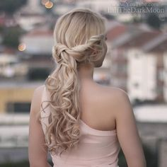 Lilith Moon: Vacation hairstyles for medium to long hair: week in Portugal
