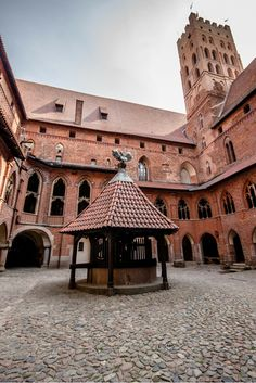 """It's likely easier to shield a castle from actual intruders than it is to defend its reputation. At least that's the case for a few fortresses scattered throughout Europe which are in the running for the title of """"world's largest castle,"""" including Malbork Castle in northern Poland."""