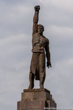 Monument to the Fighter for State Soviet Power in Chisinau, Moldova. Completed in Soviet War memorial in the former USSR. War Memorials, Communist Propaganda, Stone Carving, Armin, Dieselpunk, Sculpture Art, Revolution, Russia, Character Design