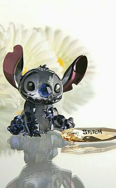 Swarovski Crystal Disney Collection, Stitch A perfect gift for any stitch fan Disney And Dreamworks, Disney Pixar, Walt Disney, Disney Bounding, Disney Characters, Lilo E Stitch, Cute Stitch, Disney Stitch, Swarovski Crystal Figurines