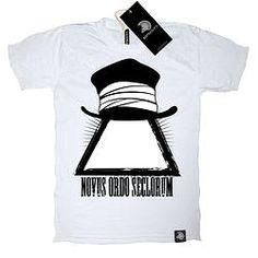 Free of world reigns - Unisex - new classic collection -www.mybotschaft.com Classic Collection, Unisex, Tees, Mens Tops, T Shirt, Fashion, Supreme T Shirt, Moda, T Shirts