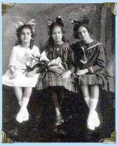 The three Kahlo sisters: Frida Kahlo (far right)