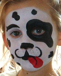This site gives step by step of several popular kids face paintings..