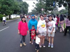 Jalan pagi with family