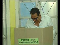 Dharmendra casts his vote for 2014 Lok Sabha Elections. Gossip, Interview, It Cast, Videos, Music, Youtube, Musica, Musik, Muziek