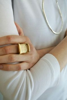 chic gold ring