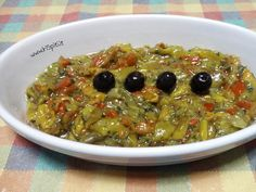 La salsa di peperoni grigliati è un tipico mezes greco, originale e semplice da realizzare.Se provate la ricetta non ne farete più a meno.