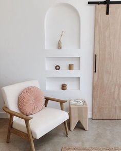 Home Interior Wood .Home Interior Wood Shelf Inspiration, Interior Design Inspiration, Home Interior Design, Interior Livingroom, Fall Home Decor, Cheap Home Decor, Minimal Home, Interiores Design, Home Decor Accessories
