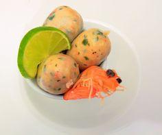 Les petits boudins font partie des apéritifs typiques des tablées lors des grandes occasions et surtout pour les fêtes de fin d'année aux Antilles. Ils sont à consommer sans modération ! Ingrédients pour une vingtaine de boudins 250g de poisson blanc (daurade, tazar, cabillaud…) 250g … Le Boudin, Eggs, Breakfast, Maurice, Food, Budget, Cooking, Creole Cuisine, Chili Pepper Paste