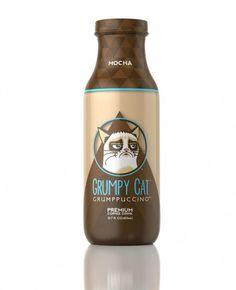coffeedrink.jpg 630x776 Le Grumpy Cat a maintenant son café