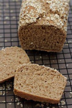 Pain complet à l'avoine (sans machine à pain) top pour le petit-déjeuner et idéal pour les sportifs et période de régime.