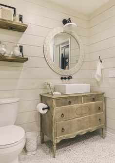 Thank you all so much for the sweet comment's on Friday's reveal post! It's a shame I won't get to enjoy this bathroom for very long… but it's all about the jour…