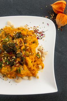 My Pasta with Carrot-Pumpkin-Sauce - A heart-warming pasta dish perfect for autumn! Close your eyes and enjoy the pumpkin-season! Pumpkin Sauce, Pumpkin Puree, Natural Whey Protein, Squash Puree, Carrot Ginger Soup, Gluten Free Pasta, Pasta Dishes, Pasta Recipes, Food Print