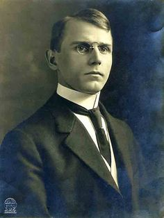 Young man Chicago 1900. Fashion of the time included very stiff high collars and pince-nez eyeglass.
