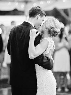 Photography: Amy Arrington Photography - www.amyarrington.com  Read More: http://www.stylemepretty.com/2014/03/20/classic-burge-plantation-wedding/