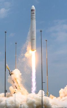 Antares lifts off, carrying Cygnus to the International Space Station. Photo Credit: Elliot Severn/The Spaceflight Group