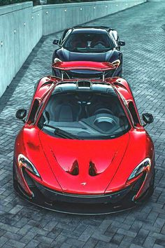 The McLaren was unveiled at the 2014 Geneva Motor Show by McLaren Automotive as a replacement for the McLaren and is currently in production. The car is available as a 2 door coupe and as a open top roadster. Mclaren P1, Mclaren 675lt, Koenigsegg, Ferrari, Lamborghini, Luxury Sports Cars, Super Sport Cars, Mc Laren, Automobile