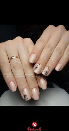 Simple Nail Art Designs That You Can Do Yourself – Your Beautiful Nails Nail Art Designs, Square Nail Designs, Flower Nail Designs, Simple Nail Designs, Nails Design, Short Square Nails, Minimalist Nails, Nails 2018, Super Nails