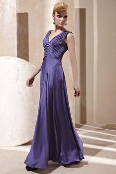 Dark Purple V-neck Pleated Bridesmaid Ball Long Evening Dress