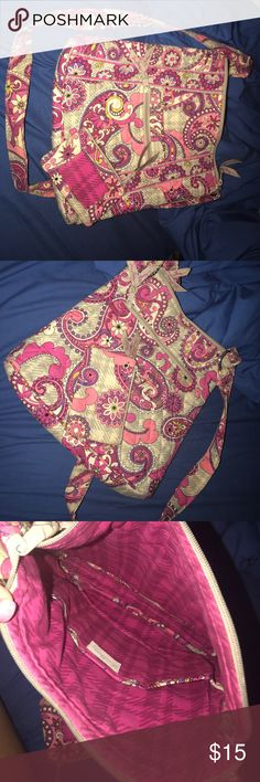 Vera Bradley Crossbody Hipster with ID Coin Purse Pretty paisley print Vera Bradley crossbody hipster  with ID coin purse. Excellent used condition! Vera Bradley Bags Crossbody Bags