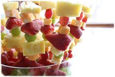 Fruit And Cheese Kabobs — My Blessed Life™ Veggie Snacks, Healthy Appetizers, Healthy Snacks For Kids, Appetizer Recipes, Simple Snacks, Kid Snacks, After School Snacks, School Treats, Creative Snacks