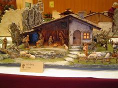 Christmas Village Sets, Christmas Nativity Scene, Christmas Crib Ideas, Christmas Decorations, Putz Houses, Pagan, Diorama, Portal, Cribs