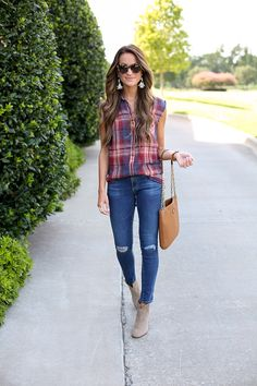 Summer plaid button down + jeans + booties. Summer Outfits Casual For Curvy Girls, Summer Outfits Women 20s, Boho Summer Outfits, Fall Winter Outfits, Casual Outfits, Fashion Outfits, Plaid Shirt Outfit Summer, Plaid Shirt Outfits, Pants For Women