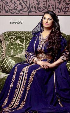 Caftan 2018 de Luxe Selma Ben Omar New Collection Kaftan, Caftan Dress, 50 Fashion, Fashion Beauty, Fashion Dresses, Traditional Fashion, Traditional Dresses, Traditional Weddings, Arabic Dress