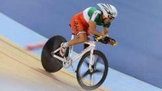 Image copyright                  Getty Images Image caption                                      Bahman Golbarnezhad también había competido en los Juegos Paralímpicos de Londres de 2012.                                El ciclista paralímpico iraní Bahman Golbarnezhad murió este sábado en un accidente ocurrido durante la carrera masculina de ciclismo en la categoría C4-5 en los Juegos Paralímpicos de Río 2016. De acuerdo con el Comi