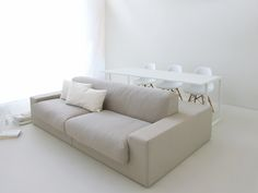 This double-sided sofa is designed for living in small spaces