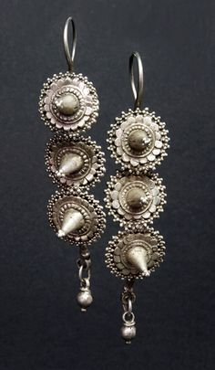 An old pair sourced in Afghanistan but with rather a Pakistani / Rajasthani look. Tribal Earrings, Tribal Jewelry, Silver Jewelry, Drop Earrings, Modern Gypsy, Terracotta Jewellery, Silver Rings Handmade, Vintage Silver, Jewelery