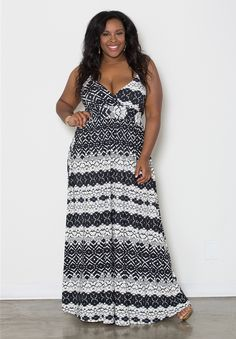 MUST HAVE Plus Size Maxi Dress Cynthia Maxi Dress - Black Print Trendy Curvy   Plus Size Fashion   Fashionista   Shop online at www.curvaliciousclothes.com TAKE 15% OFF Use code: SVE15 at checkout