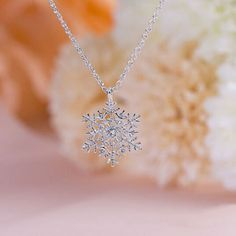 Luxury Crystal Snowflake Pendants&Necklaces Fashion Silver Plated Chain Necklace Gift For Women Female Jewelry Shellhard Stylish Jewelry, Cute Jewelry, Women Jewelry, Jewelry Ideas, Jewelry Tree, Silver Necklaces, Crystal Necklace, Gold Necklace, Necklace Chain