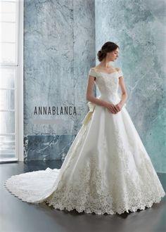 Wedding Dress — Various|衣装コレクション|ウエディングドレスのレンタルなら【東衣装店】