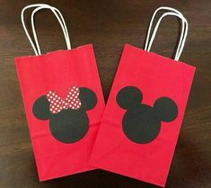 Set of 12 mickey or minnie mouse goodie bags. or choose a mix of 6 mickey and 6 Minnie mouse bags. Choose either one by leaving a note which one you like. PLEASE INCLUDE DATE IS NEEDED BY thank you Fiesta Mickey Mouse, Mickey Mouse Bday, Mickey Mouse Clubhouse Birthday Party, Red Minnie Mouse, Mickey Mouse Parties, Mickey Party, Mickey Mouse Party Favors, Disney Parties, Mickey Mouse Birthday Decorations