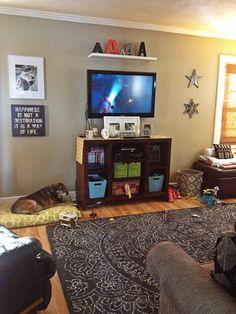 Shelf above tv