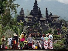 7th Things To Do In Bali  is visiting Besakih Temple    Besakih Temple in General  Besakih temple for your next things to do in Bali. Besakih temple is the center of religious festivals for Hindus in Bali, therefore it is also called the mother temple in Bali. Besakih Temple is Bhuwana or its juice Padma world shaped lotus symbolized.  Besakih Temple is a temple complex located on the slopes of Mount Agung, http://100thingstodoinbali.blogspot.com/2013/06/things-to-do-in-bali-7.html